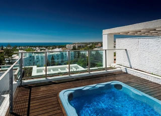 Modern Penthouse for sale in Golden Mile, Marbella