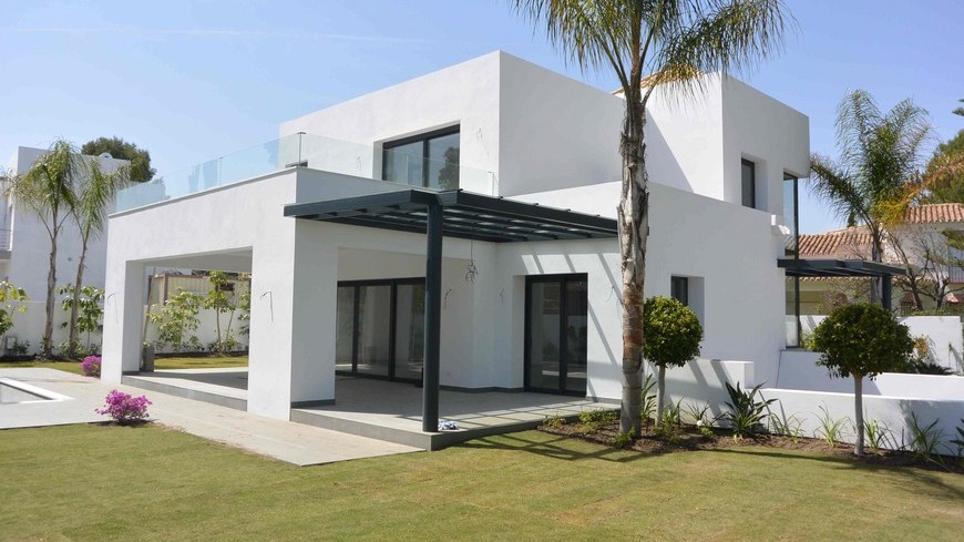 New build villa in El Paraiso in Marbella Spain