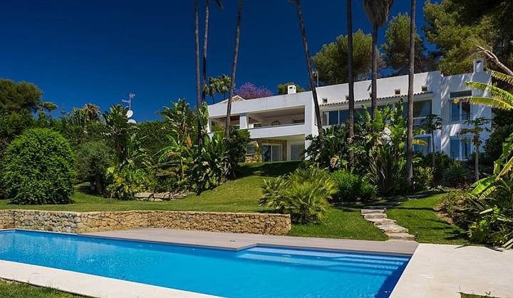 Contemporary new built villa in Golden Mile, Marbella